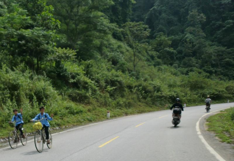 ho-chi-min-trail-98